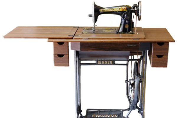 Traditional Sewing Machines Brand Singer